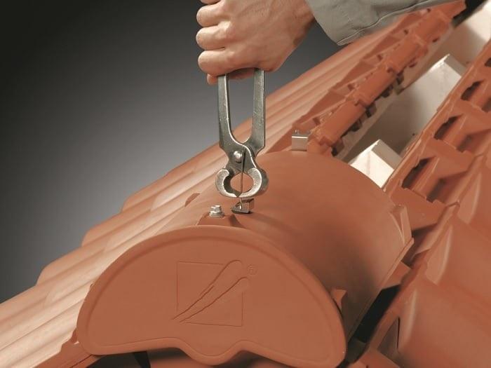 Pálená střešní taška CREATON – přesná montáž