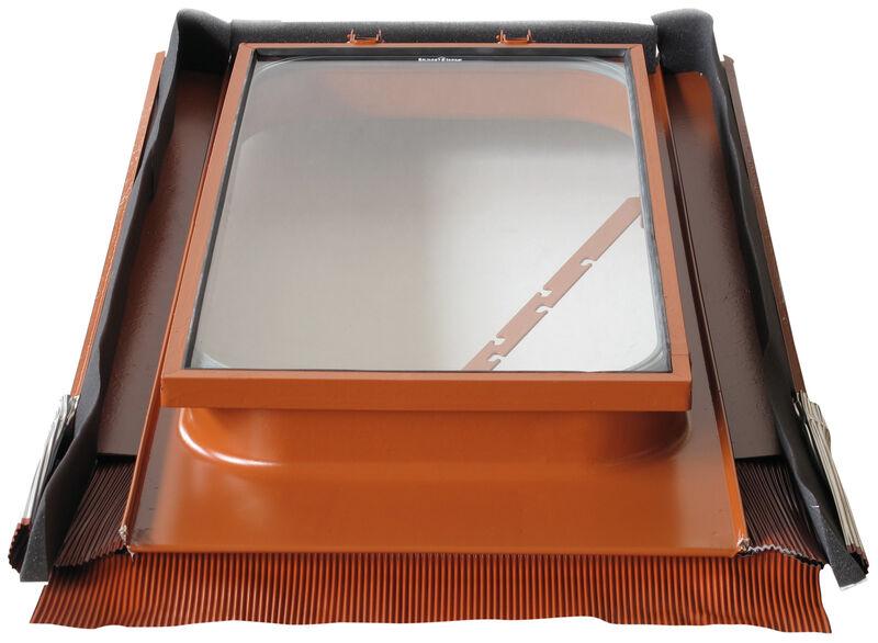 Střešní výlez 45 x 55 cm z kovu s tvrzeným bezpečnostním sklem